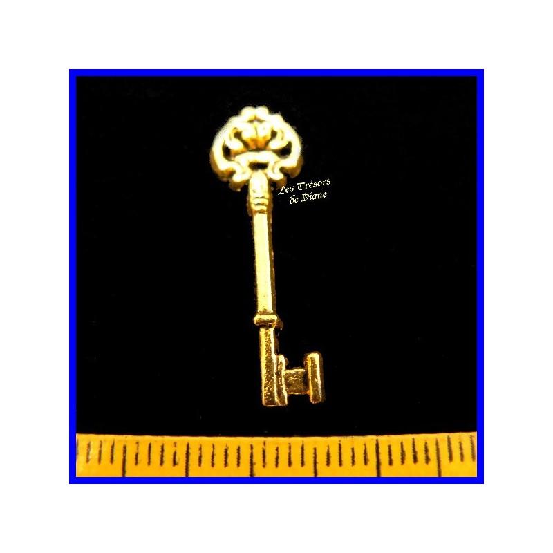 """Charms """"clé antique"""""""