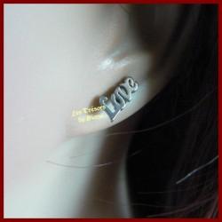 Boucles d'oreilles LOVE en acier inoxydable