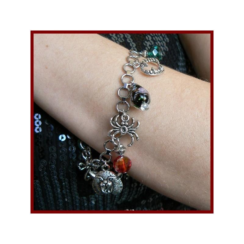 Bracelet en acier inoxydable à breloques gothiques
