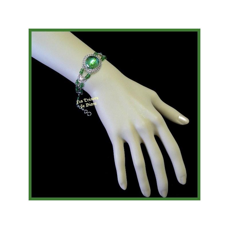 Bracelet du Pérou avec demie-sphère en verre vert irisé