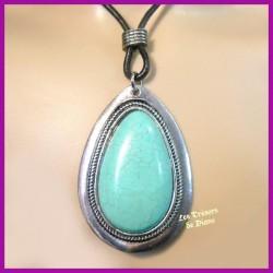 Pendentif médaillon en turquoise naturelle sertie