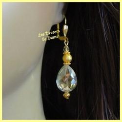 Boucles d'oreilles en cristal irisé faceté jaune pale