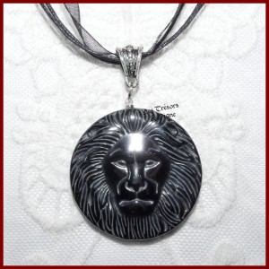 Pendentif LION en HEMATITE