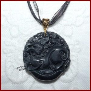 Pendentif amulette DRAGON DE LA CHANCE en JADE IMPERIAL